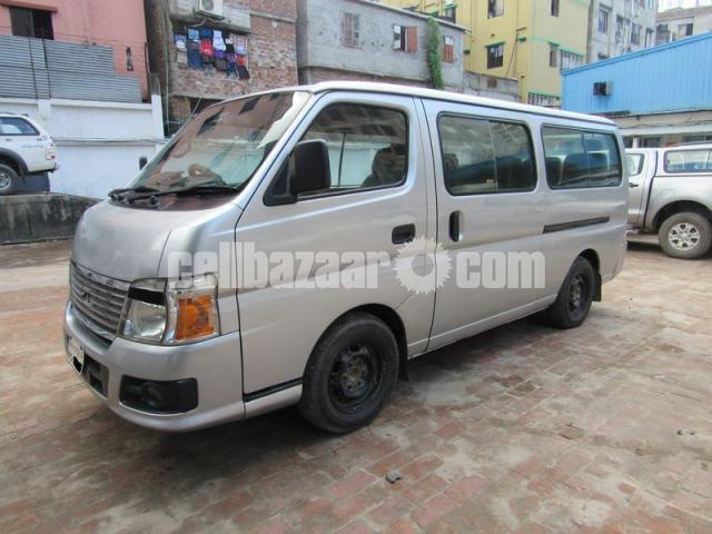 Nissan Urvan, Model: 2010 - 4/5