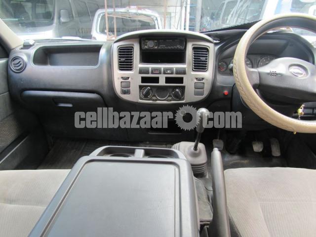 Nissan Urvan, Model: 2010 - 5/5