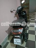 Mahindra Gusto Scooter 110cc