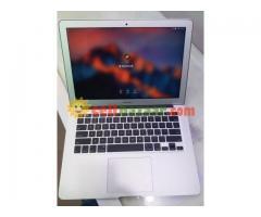 Apple Macbook Air 2015 8gb 128 SSD