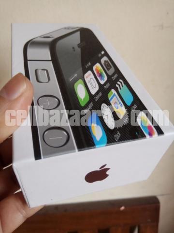 Apple iPhone 4 16GB Original New Full Box - 1/5