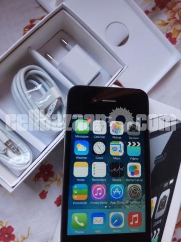 Apple iPhone 4 16GB Original New Full Box - 4/5
