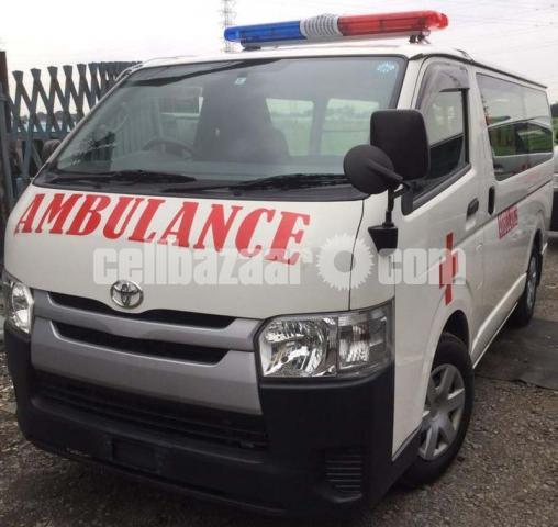 Toyota Hiace Ambulance White Color - 1/4