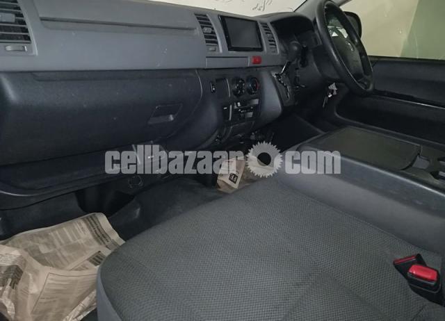 Toyota Hiace GL Dual Ac Black Color - 3/4