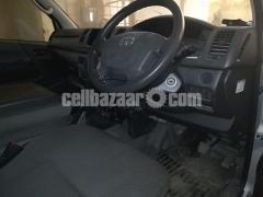 Toyota Hiace Ambulance Silver Color - Image 5/5